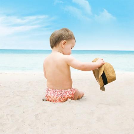 Comment bien choisir le maillot de bain de bébé ?