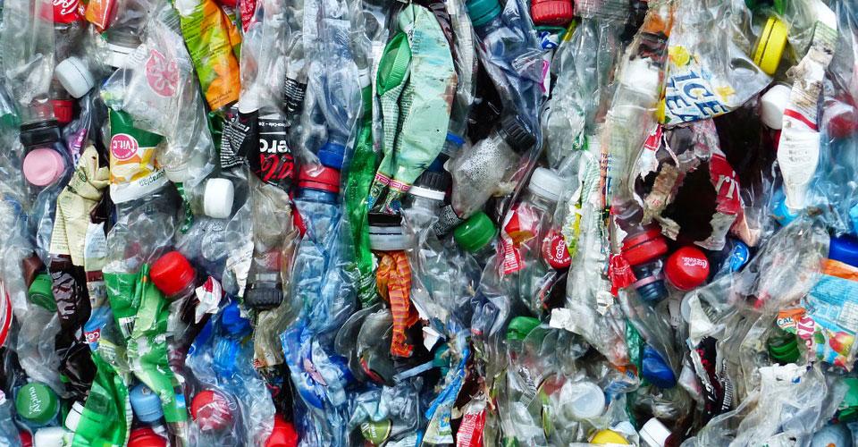 le recyclage du plastique : pas si écologique que ça