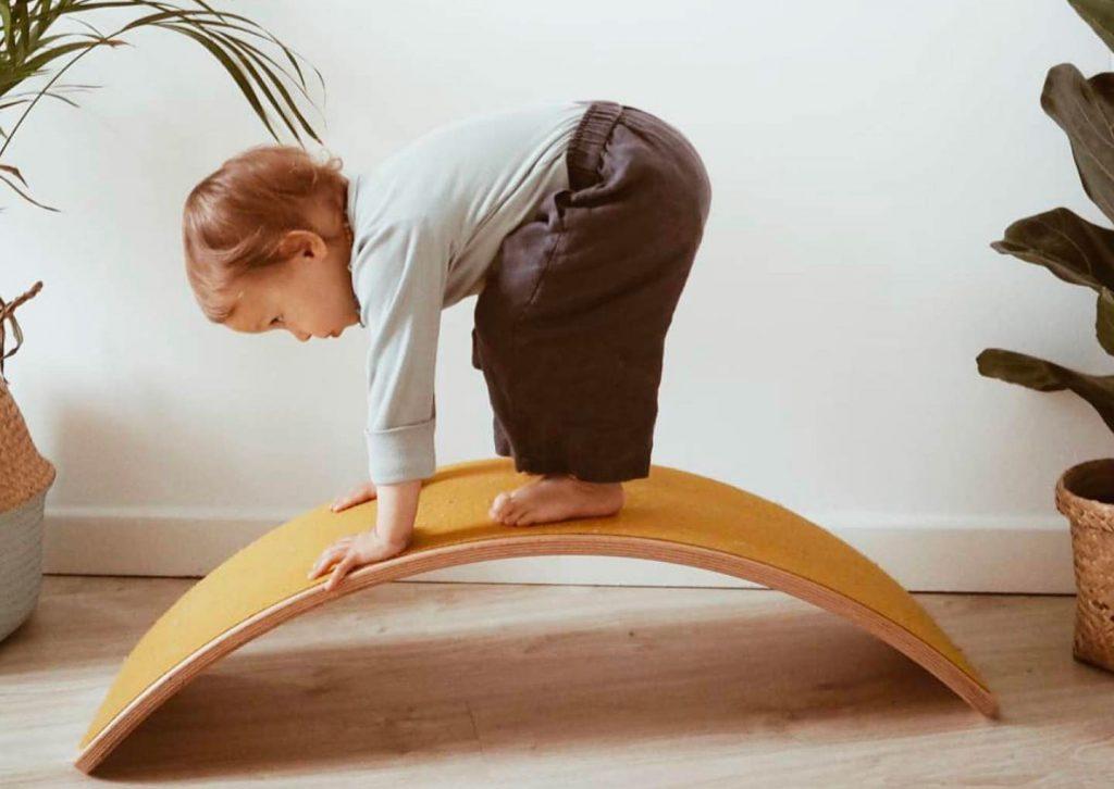 planche d'équilibre wobbel pour les bébés